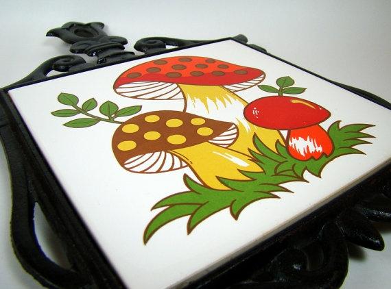 Vintage Merry Mushroom Cast Iron Trivet, Sears, Roebuck & Co.: Irons Trivet, Merry Mushrooms, Roebuck, Citrus Kitchens, Artworks, Mushrooms Cast, Cast Irons, Vintage Merry, Mushrooms Kitchens