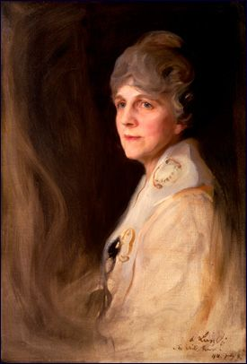 When Florence King Harding moved into the White House, she opened mansion and grounds to the public again - both had been closed throughout President Wilson's illness. She herself suffered from a chronic kidney ailment, but she threw herself into the job of first lady with energy and willpower. Garden parties for veterans were regular events on a crowded social calendar.