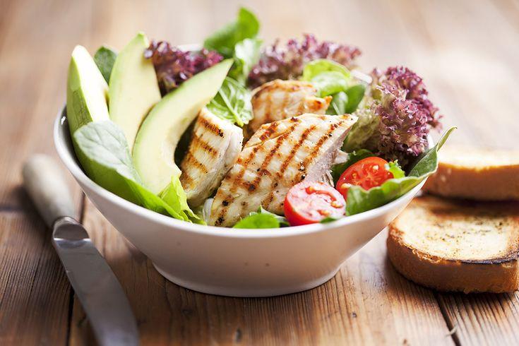Kyckling är ett säkert kort både till vardags och fest! Testa några av dessa enkla recept med vanliga kycklingfiléer och hitta nya favoriter till middag.