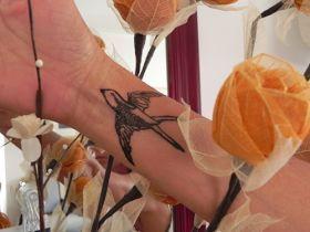 Schritte, um Ihr eigenes temporäres Tattoo zu machen