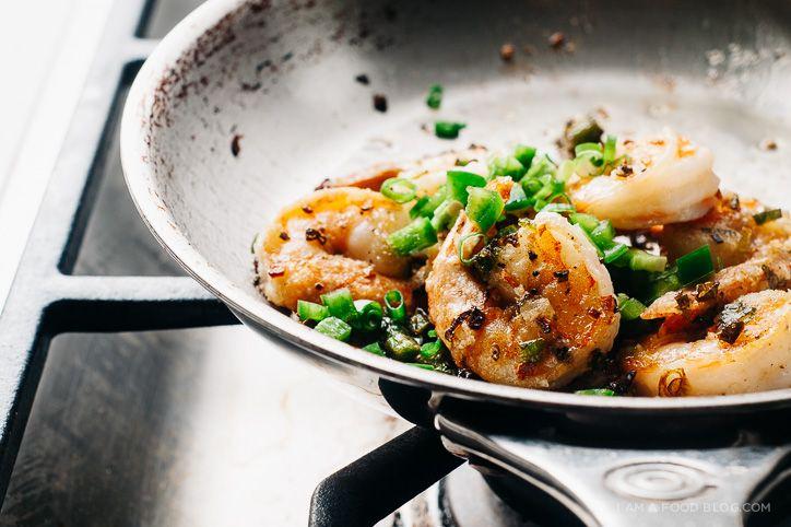 spicy salt and pepper shrimp recipe - www.iamafoodblog.com