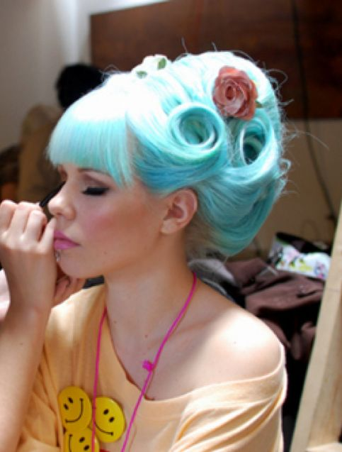 blue aqua hair up-do pinup pin-up pin curls victory rolls, wedding bridal bride makeup, photography photo pink lipstick retro vintage rockabilly Love this hair color!