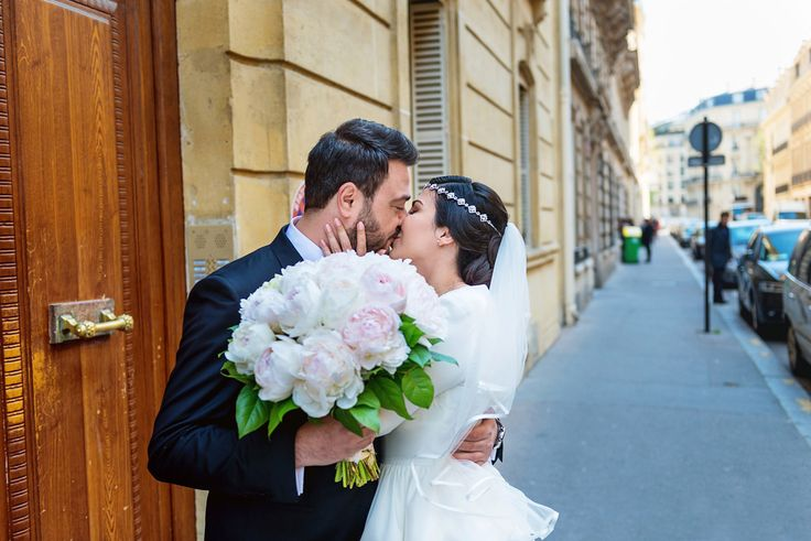 Married couple - vintage wedding - My Dream Intimate Wedding In Paris