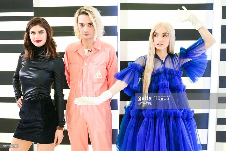 Alexandra Daddario, Titanic Sinclair and Poppy pose on MTV TRL at MTV Studios on January 29, 2018 in New York City.