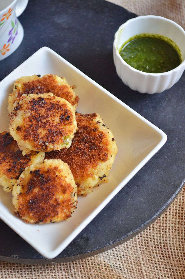 {New post} Easy paneer tikki recipe: Quick and easy paneer tikki/paneer cutlets with very few ingredients,crumbled paneer mixed with spices and shallow fried,very tasty and crispy finger food for toddlers and after school snack for kids,step by step recipe @ http://cookclickndevour.com/2015/01/paneer-tikki-recipe.html