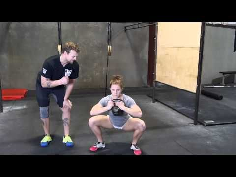 ▶ Day 28: Improve your THRUSTER! - (Goblet squat, ring rows and pull up hangs)