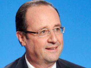 François Hollande naît en 1954, à Rouen, d'un père médecin ORL et d'une mère assistante sociale, qui emménagent à Neuilly-sur-Seine en 1968. Après des études de droit et à l'Institut d'études politiques de Paris, il estdiplômé de l'ENA, en 1980, dans la promotion Voltaire, où il...
