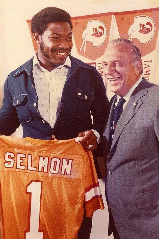 At the 1976 NFL Draft, Tampa Bay owner Hugh Culverhouse drafts Lee ...