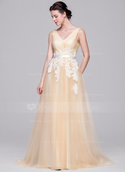 A-Line/Princess V-neck Court Train Tulle Wedding Dress With Ruffle Appliques Lace (002071586)