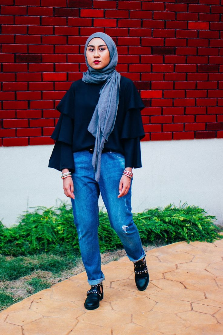 Tiered Ruffle Sleeves, Boyfriend Jeans, Cutout Studded Boots