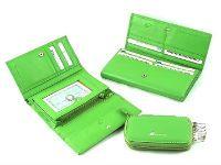 Женский кошелек из кожи должен быть практичным. Источник http://www.asia.ru
