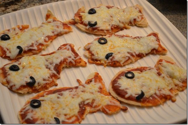 Fish Birthday Party - Goldfish Pizzas