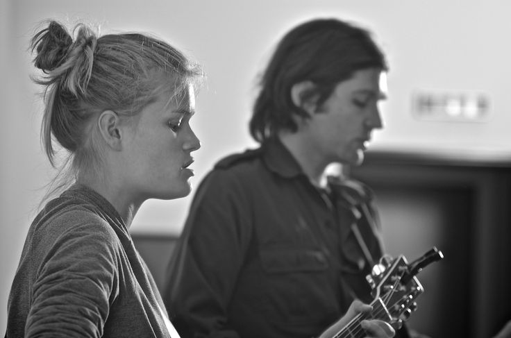 Anna and Kasper singing