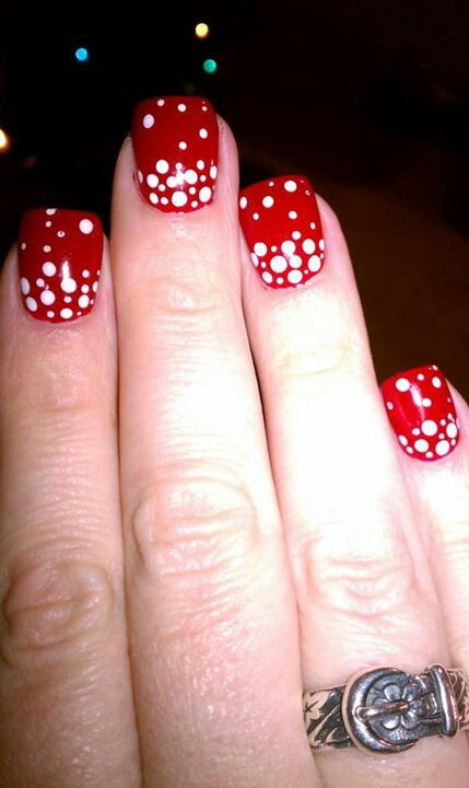 Red snow christmas nails
