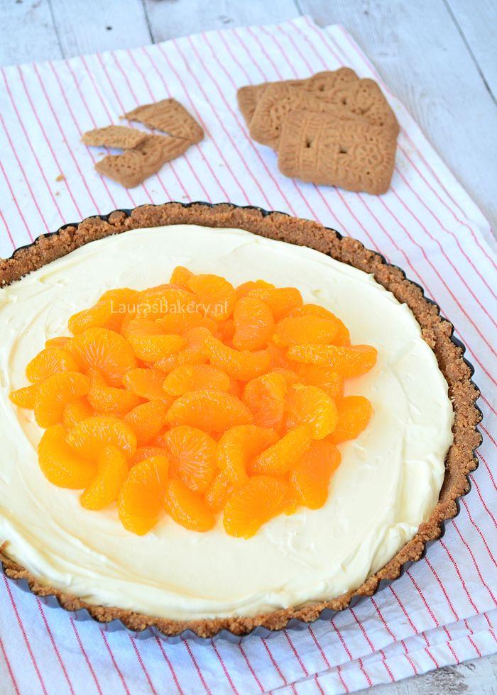 Deze speculaas MonChou taart met mandarijnen is een overheerlijk sinterklaasrecept dat perfect is voor pakjesavond. Er is genoeg voor iedereen!