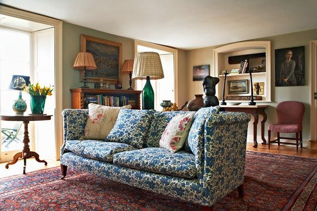 Do you have an old sofa which needs a new lease of life or can't get a headboard out of your head? - all the best upholstery ideas on HOUSE - design, food and travel by House & Garden.