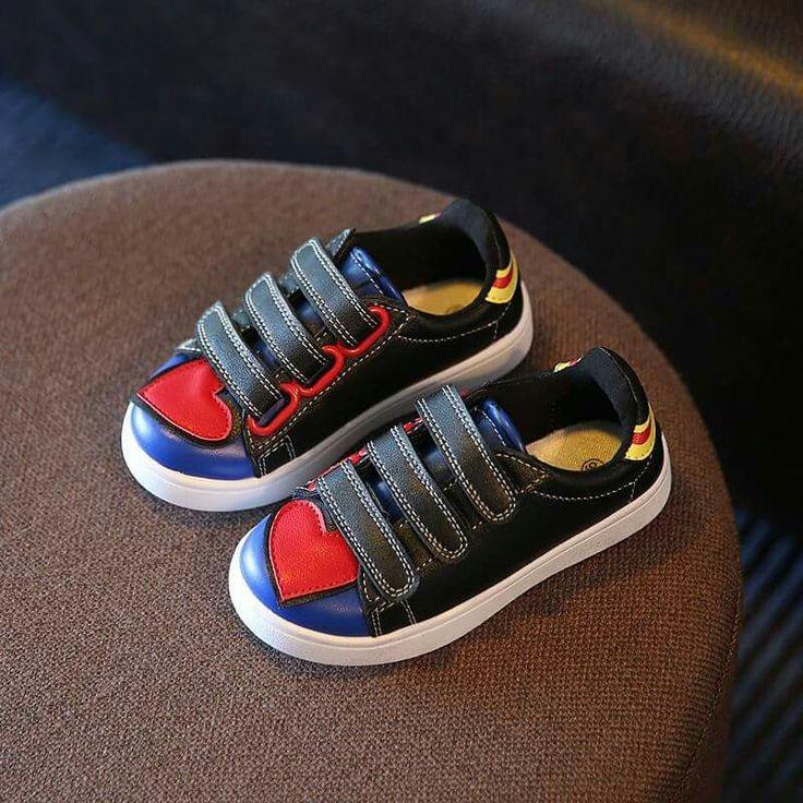 SH062 Heart Shoes Black Ukuran Outsole Size 32(20cm) 33(20.5cm) 34(21cm) 35(21.5cm Rp 85.000 (ready)