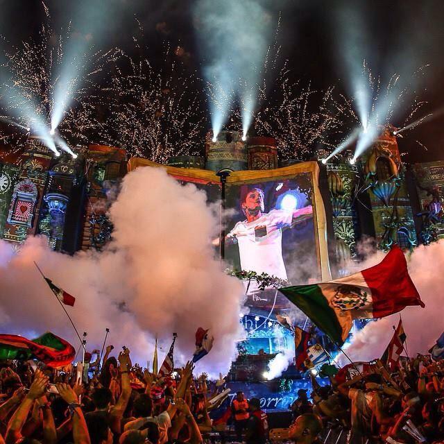 Armin Van Buuren closing Day 2
