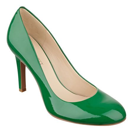 "Nine West Caress green Classic round toe pump. 3 1/2"" heel."