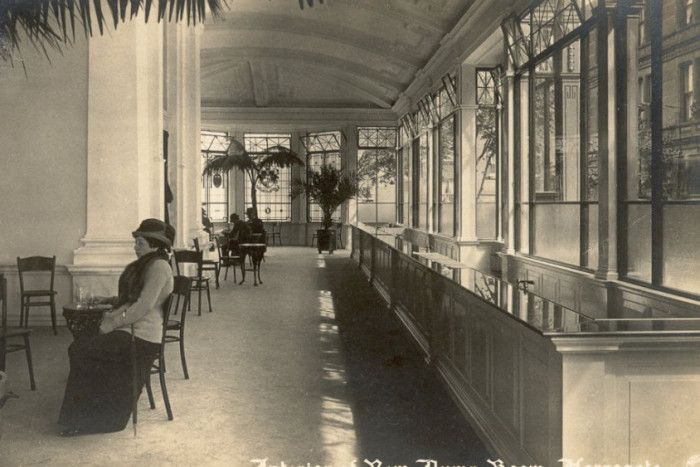 The celebrations will also feature live jazz music, recreating the ambience of the Pump Rooms heyday