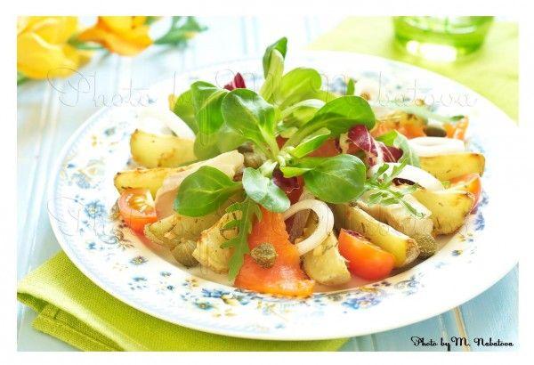 Теплый картофельный салат с двумя видами рыбы -   Warm potato salad with two kinds of fish  Пусть рецептик побудет здесь до времени... до появления духовки...  #пища #food