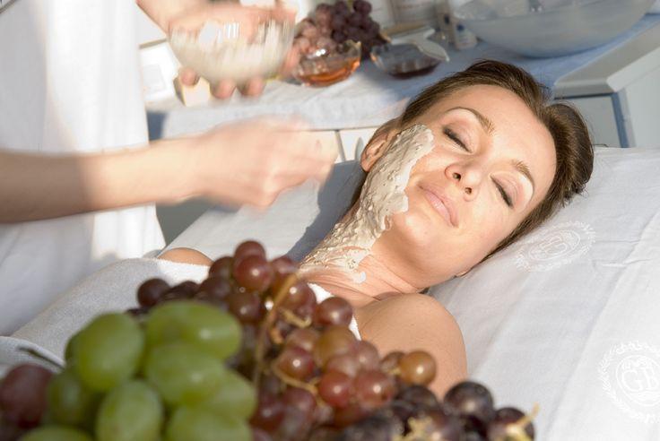 """Trattamento viso """"diVino"""" http://www.centribenessereofferte.it/toscana/week-end-benessere/offerte-hotel-con-spa-a-chianciano-terme-37"""