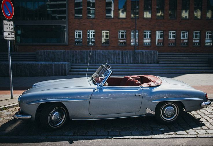Mercedes Benz 190SL spotted in Hamburg. Pic ©#abc7diAwknd (instagram) / #190SL #BruceAdams190SL #germancars