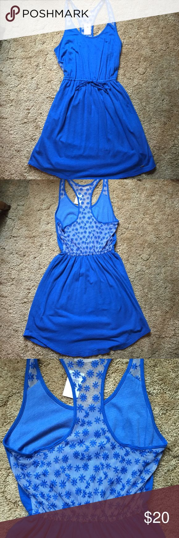 NWT Hollister dress Blue Hollister dress with flower detail. Two layers of skirt Hollister Dresses