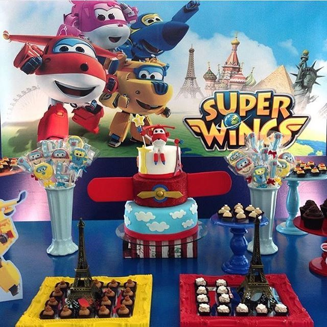 #mulpix Festa: Super Wings. Tema muito legal para os meninos!!! . Decor: @criancices  Bolo: @vaniaelihimas #DentroDaFesta