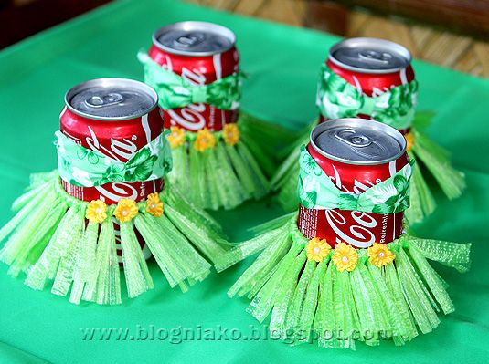 drinks in grass skirts. Great ideas for planning a luau or beach party!