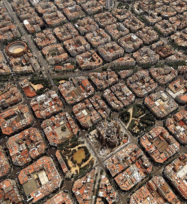 Barcelona as a chessboard from above