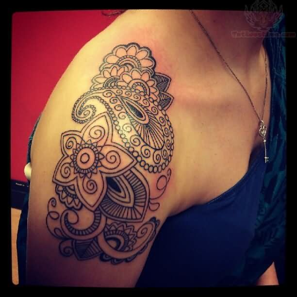 shoulder-paisley-pattern-tattoo-for-girls.jpg (612×612)