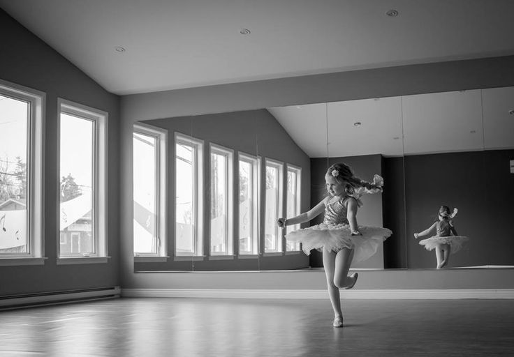 Ballerina - ballet photography - ballet photos - ballet minis - dance photo - tiny dancer - little dancer