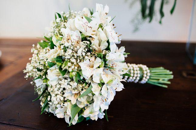 Confira no blog de casamento Colher de Chá Noivas o casamento branco e dourado de Sarah e Felipe, fotografado por Lutterbach Fotografia.