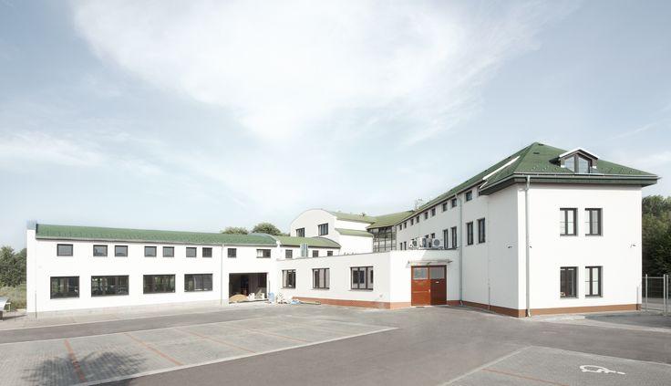Administrativní budova realizovaná ve 4 etapách www.navlacil.cz