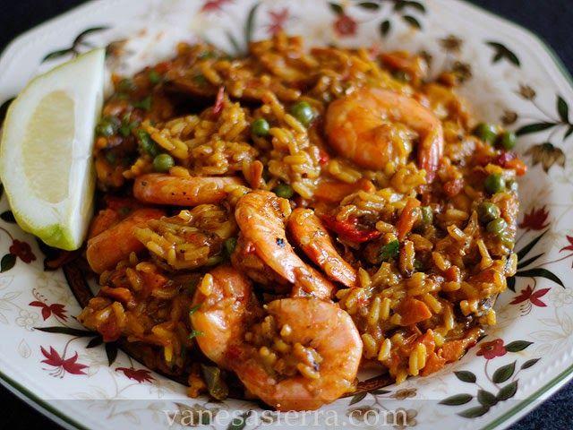 La paella de marisco es una maravilla, aunque yo tengo que decir que antes era más de arroz con carne, pero me estoy declinando más últimame...