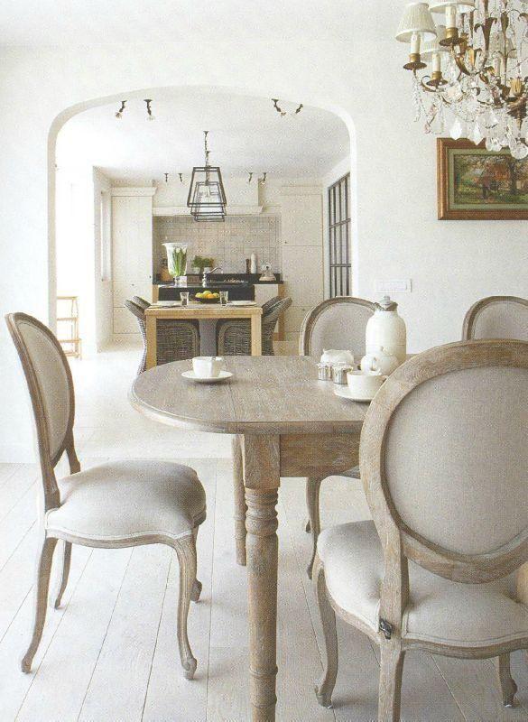 Les 7 meilleures images du tableau di alma home interiors for Salle a manger flamant