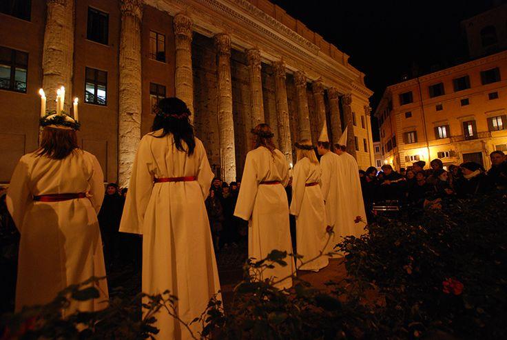 Santa Lucia, la festa delle luci a piazza della Pietra