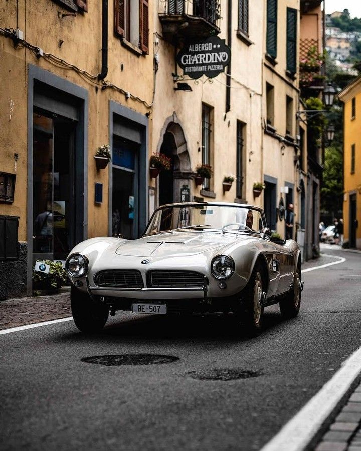 Picture Perfect And Ready For Its Close Up The Bmw 507 Roadster Bmwrepost Bmwjogge Bmw 507 Bmw Classic Car Garage