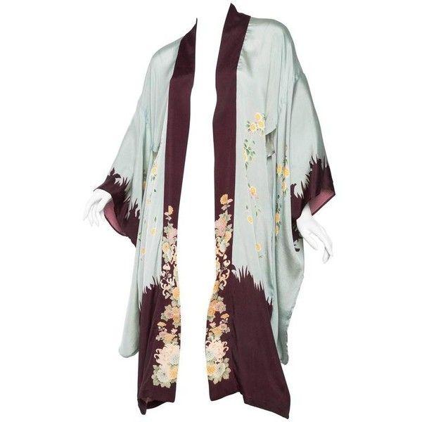 Preowned 1920s Printed Silk Kimono ($650) ❤ liked on Polyvore featuring intimates, robes, grey, grey silk robe, dressing gown, silk bath robes, silk robe kimono and silk bathrobe