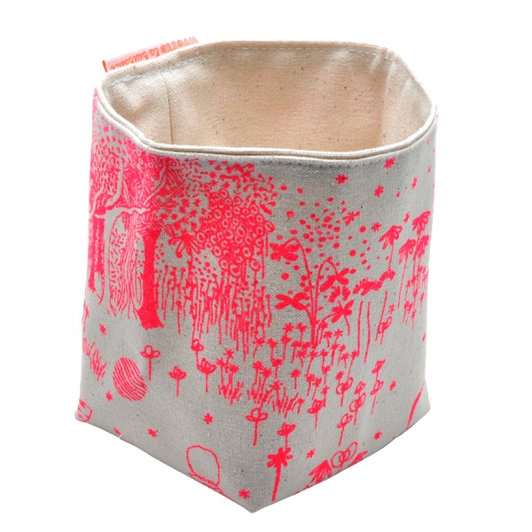 // livette la suissette: Idea, Kids Interiors, Neon Bags, Ferry, Shops, Pink Bags, Baskets, Rose Fluo, Kids Toys