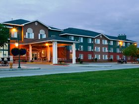 Alaska is located in the heart of Downtown Anchorage; the Anchorage Hotels stands out for its expediency and reassure. This Anchorage hotel is just a 10 minute drive from International Airport, and within walking distance of the Anchorage conference District.
