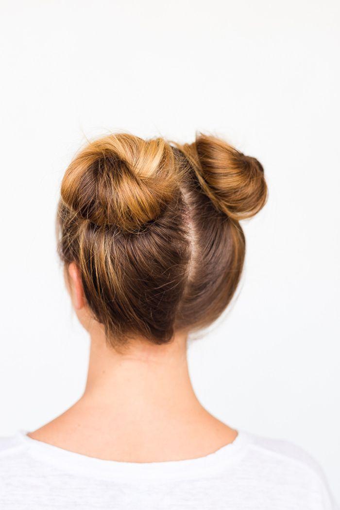 1001 Inspirierende Ideen Fur Einfache Frisuren Fur Den Alltag Zwei Dutt Frisur Haare Flechten Anleitung Dutt Anleitung