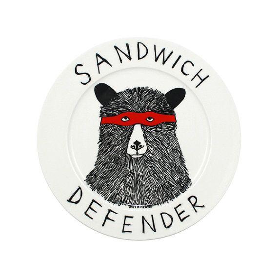 The Sandwich Defender Bear side platehttps://www.etsy.com/it/listing/62389439/the-sandwich-defender-bear-side-plate