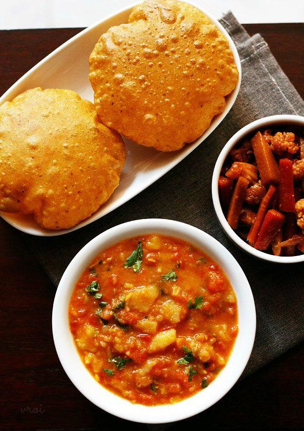 aloo rasedar curry - spiced, thin potato curry made with tomatoes, ginger & spices. no onion no garlic recipe from uttar pradesh cuisine.   #vegan #aloo