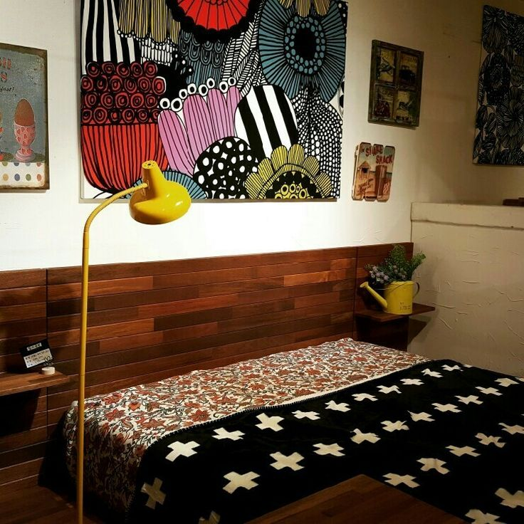 Berkley bed made of merbau wood