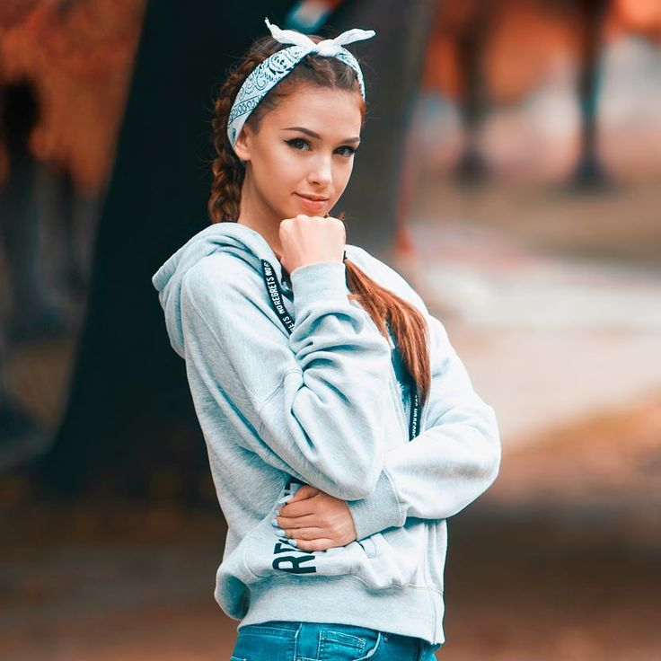 Pin by Cathlena Fields on CASUAL OUTFITS!!!   Headband hairstyles, Hair styles, Cool hairstyles
