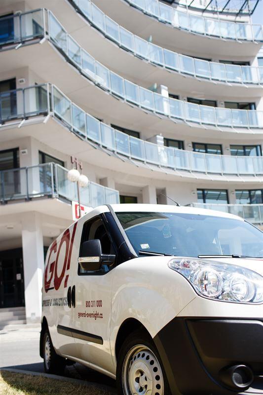 GO! Dodávka. GO! Express & Logistics je mezinárodní expresní přepravce zásilek s třicetiletou tradicí, který obsluhuje všechny země světa. Rychle  a spolehlivě přepravíme vše - od důležitého dokumentu až po těžký balík. Flexibilita, individuální přístup k zákazníkovi a vysoká úroveň komunikace jsou hlavními atributy spolupráce s námi. Jsme opravdoví specialisté na západní a střední Evropu a zajistíme Vám exportní  i importní přepravu zásilek v nadstandardním servisu.