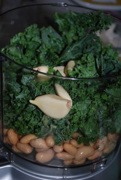 Kale and white bean sandwich spread. Going to make this tonight on a toasted sandwich with avocado slices.