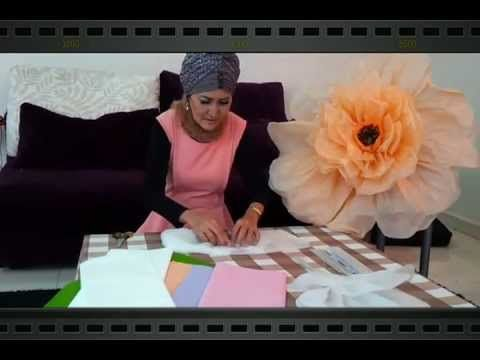 Giant Flower Deco by Sofia Abbas : this tutorial is ridiculosly long and she doesnt speak english, but nonetheless the end result is cool and worth saving this.